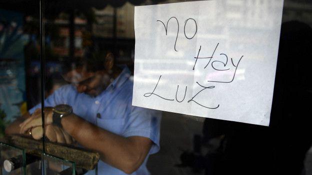 """Venezuela estalla y denuncia su secuestro por el """"gran apagón"""""""
