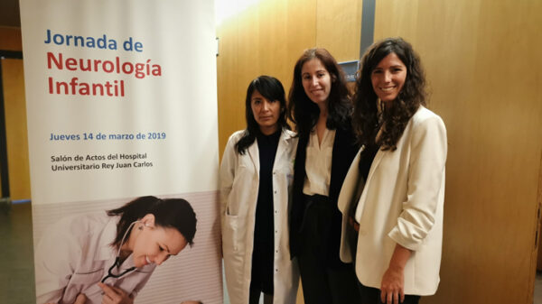 De izquierda a derecha, las doctoras Kelly Escajadillo, Jiménez y Cordero durante la jornada