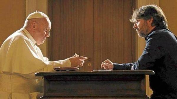 Jordi Évole con el Papa Francisco