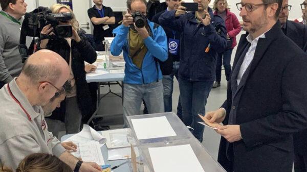 Javier Maroto votando en las elecciones 2019