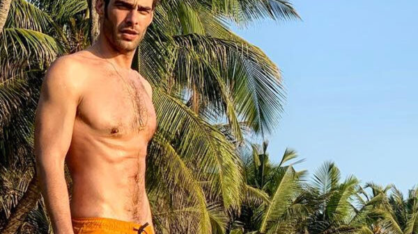 El modelo español Jon Kortajarena