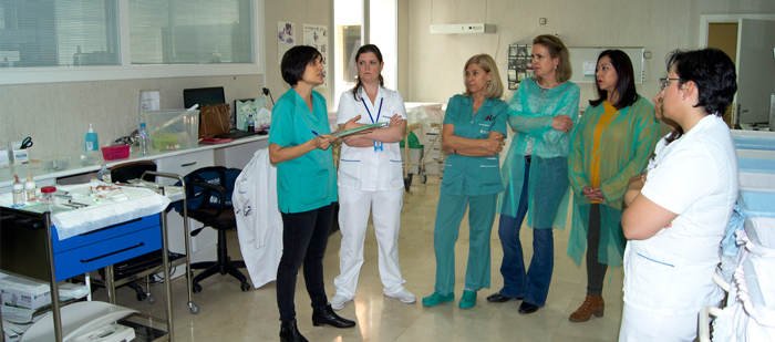 La doctora Susana Zeballos en un caso práctico de canalización de vías y administración de fármacos