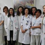 Las doctoras Cutillas (3ª por la izquierda), Aragón (4ª por la derecha) y Benavides (1ª por la derecha), junto al resto del equipo de la Unidad de Disfagia de la FDJ