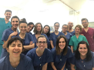 La doctora Noguero (esquina inferior izquierda) junto al resto de participantes en el curso