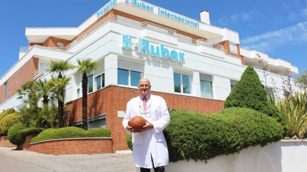 El doctor Alfonso del Corral, jefe de Medicina y Traumatología del Deporte del Hospital Ruber Internacional