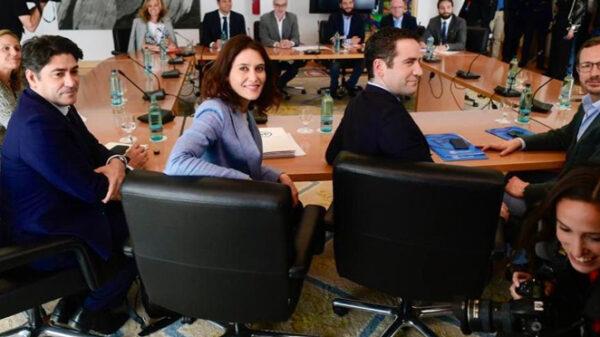 Díaz Ayuso con otros miembros del PP