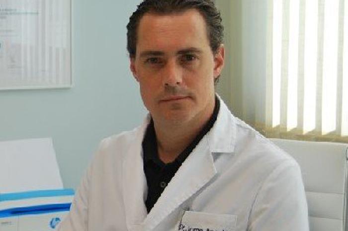 El doctor Jorge Angulo