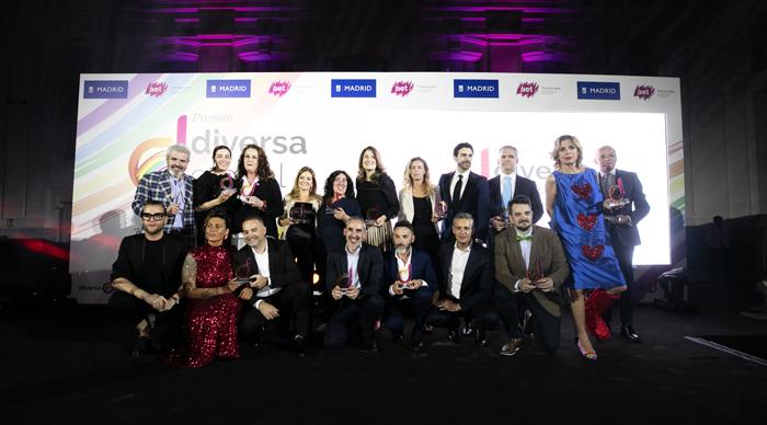 Foto de familia en los premios Diversa Global 2019 con los galardonados