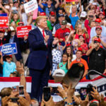 Donald Trump anunciando que se presentará a la reelección