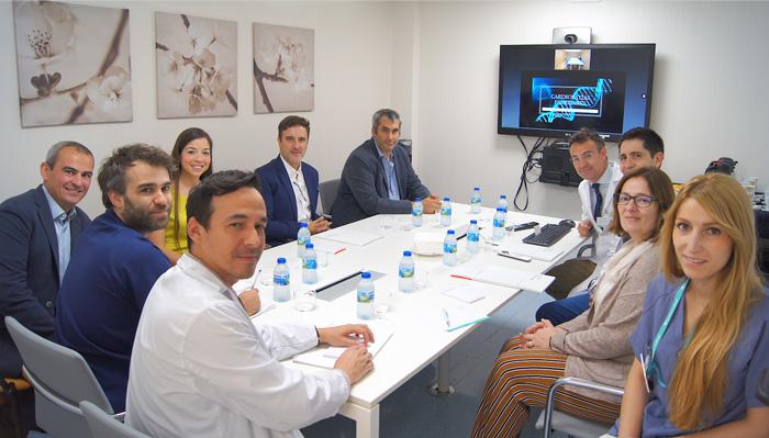 Foto de grupo de la sesión clínica