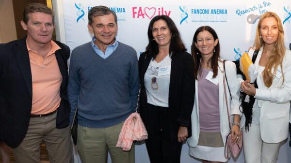 De izquierda a derecha, los doctores Sevilla, Bueren, Aurora de la Cal, Río y Navarro