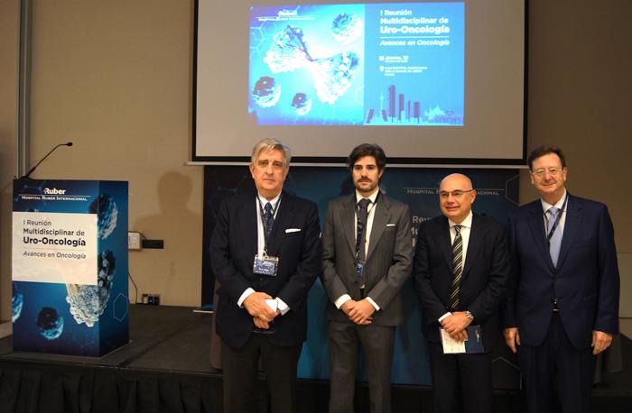 Los doctores Antonio Allona, Alberto Pérez-Lanzac, Josep Tabernero y Javier Román