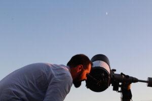 Los potentes telescopios aportados por la AAM permitieron ver la luna y los astros con gran definición