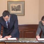 Pedro Sánchez y Pablo Iglesias firman el preacuerdo de Gobierno de coalición
