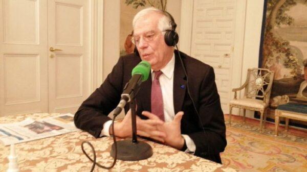 Josep Borrell en una entrevista en Onda Cero