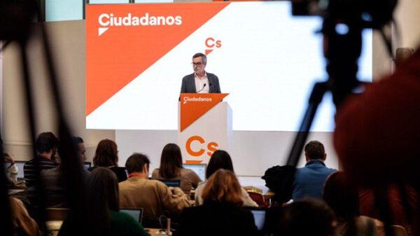 josé Manuel Villegas en la sede de Ciudadanos