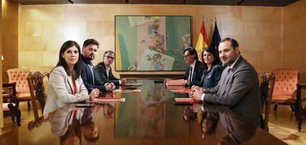 Los equipos negociadores de ERC y el PSOE