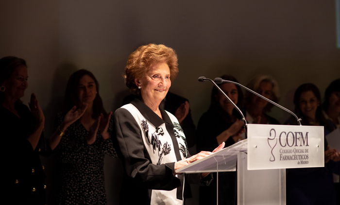 María Josefa Alonso Velasco, distinción 50 Años de Colegiación y voluntaria para el Grupo de Recertificación