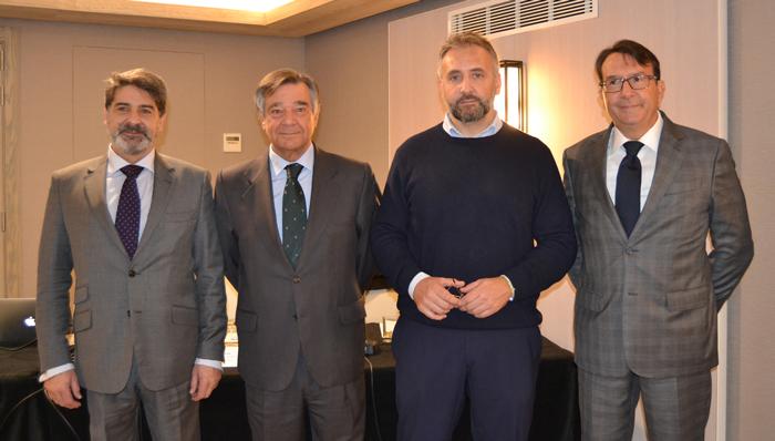 José Alonso, consejero de COFM Servicios 31; Luis González, presidente del COFMServicios31; Lucio Domina, presidente de Dómina Farmaservicios; y Stefano Dessena, director general de Dómina Farmaservicios