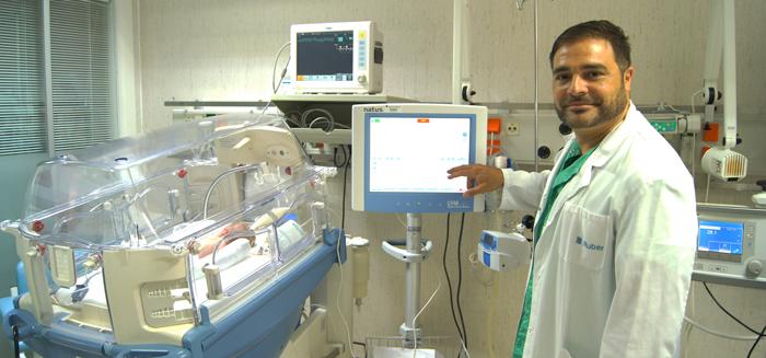 El doctor Gonzalo Zeballos especialista en neonatología de la Unidad de Pediatría y Adolescencia del Hospital Ruber Internacional