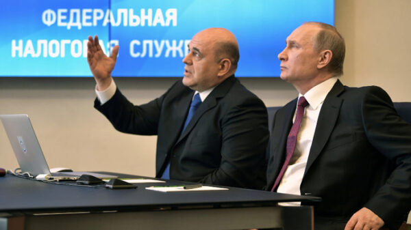 Putin con Mijaíl Mishustin