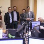 Garzón visitando las instalaciones del Ministerio de Consumo