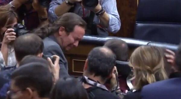 Pablo Iglesias llorando