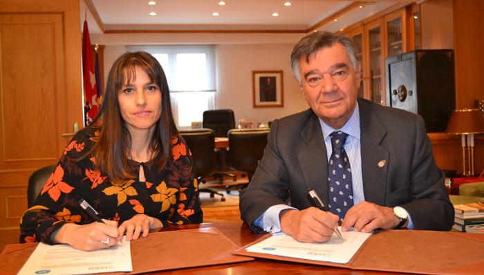 Luisa Fernanda Panadero Gómez, presidenta de Afibrom, y Luis González Díez, presidente del COFM