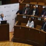 El doctor García Olmo impartió la sesión clínica Células para curar, construyendo un medicamento