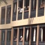 Turistas en el hotel en cuarentena en Tenerife