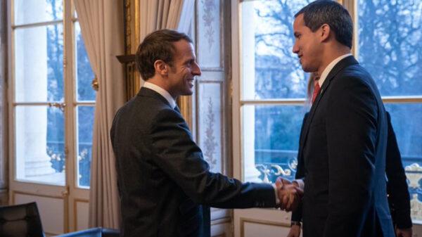 Emmanuel Macron y Juan Guaidó