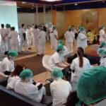 Personal sanitario en el hospital de Ifema