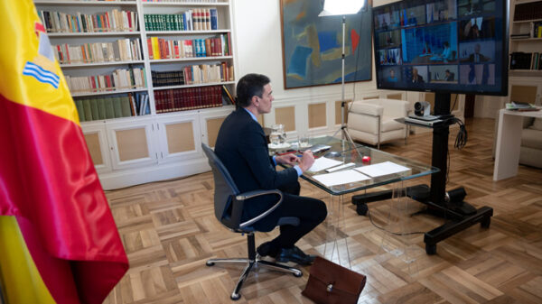 Pedro Sánchez durante una reunión telemática con el resto de líderes de la UE