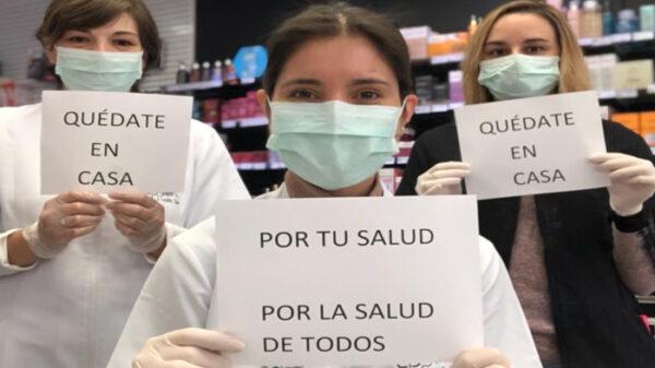 Farmacéuticas prestando un servicio esencial a la población