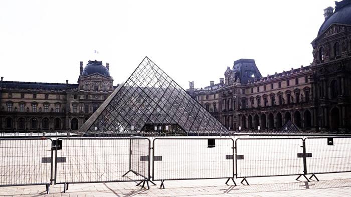 El Museo del Louvre, cerrado por el coronavirus