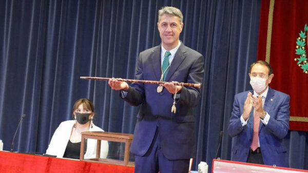 Xavier García Albiol toma posesión como alcalde de Badalona