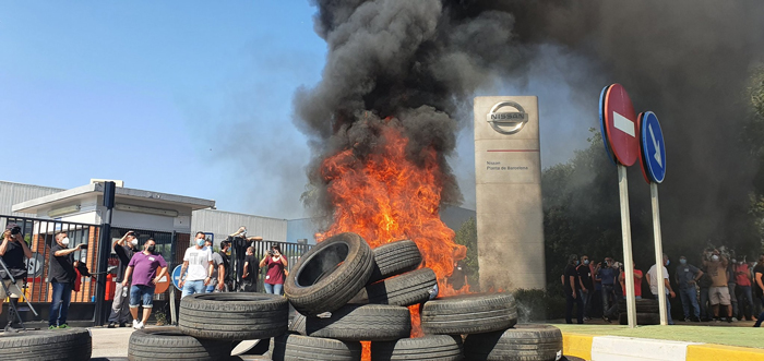 Protestas frente a la planta de Nissan