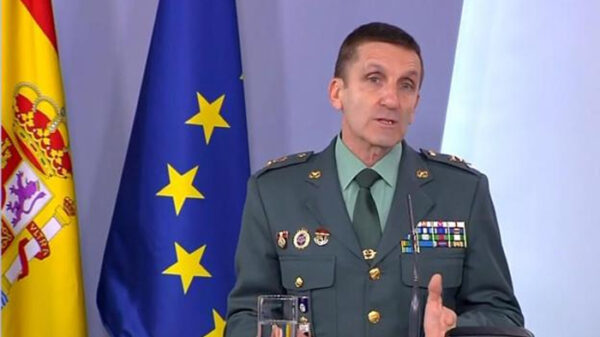 El general José Manuel Santiago en rueda de prensa