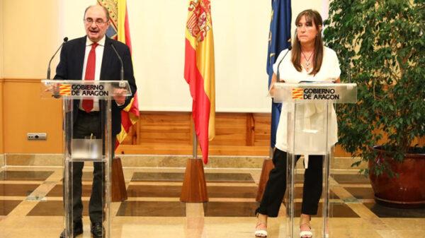 El presidente de Aragón, Javier Lambán, y la consejera de Sanidad aragonesa, Sira Ripollés