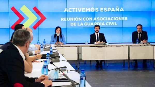 Pablo Casado en reunión con asociaciones de la Guardia Civil