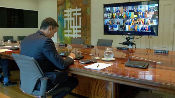 Pedro Sánchez en reunión telemática con los presidentes autonómicos