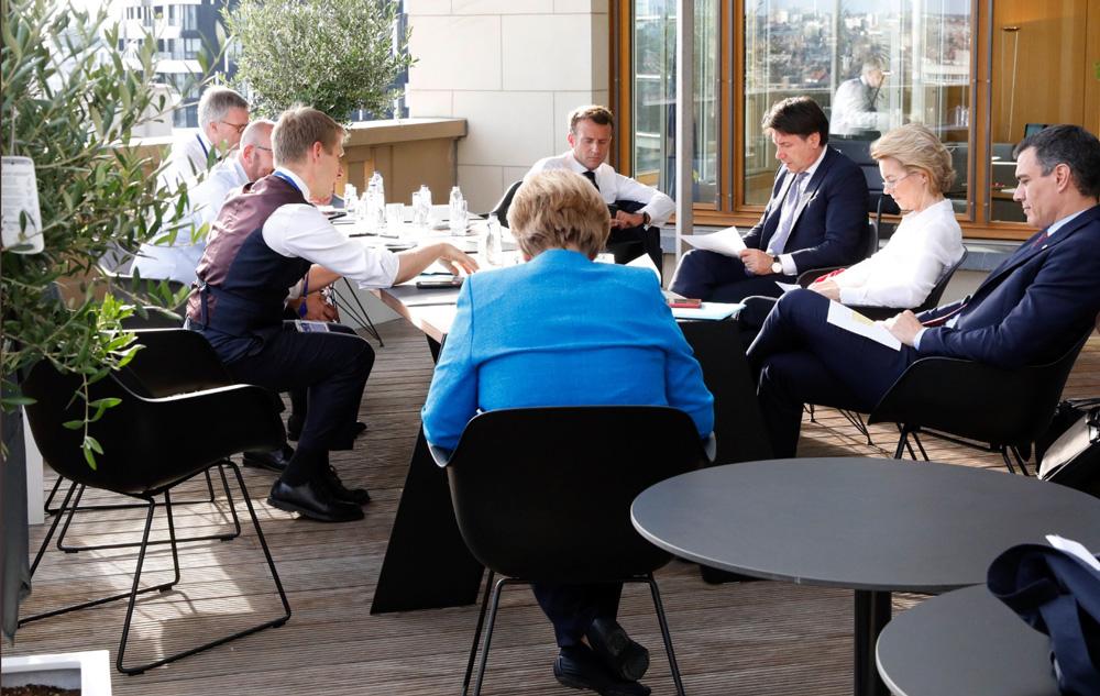 Pedro Sánchez con algunos líderes europeos