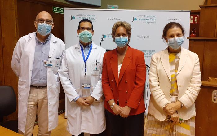 De izquierda a derecha, los doctores José Gómez, Santos, Heili y Moral, en la clausura del simposio