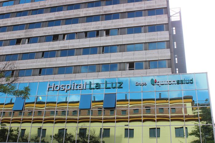 Fachada del Hospital La Luz
