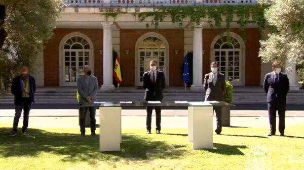 Sánchez con representantes de patronal y sindicatos